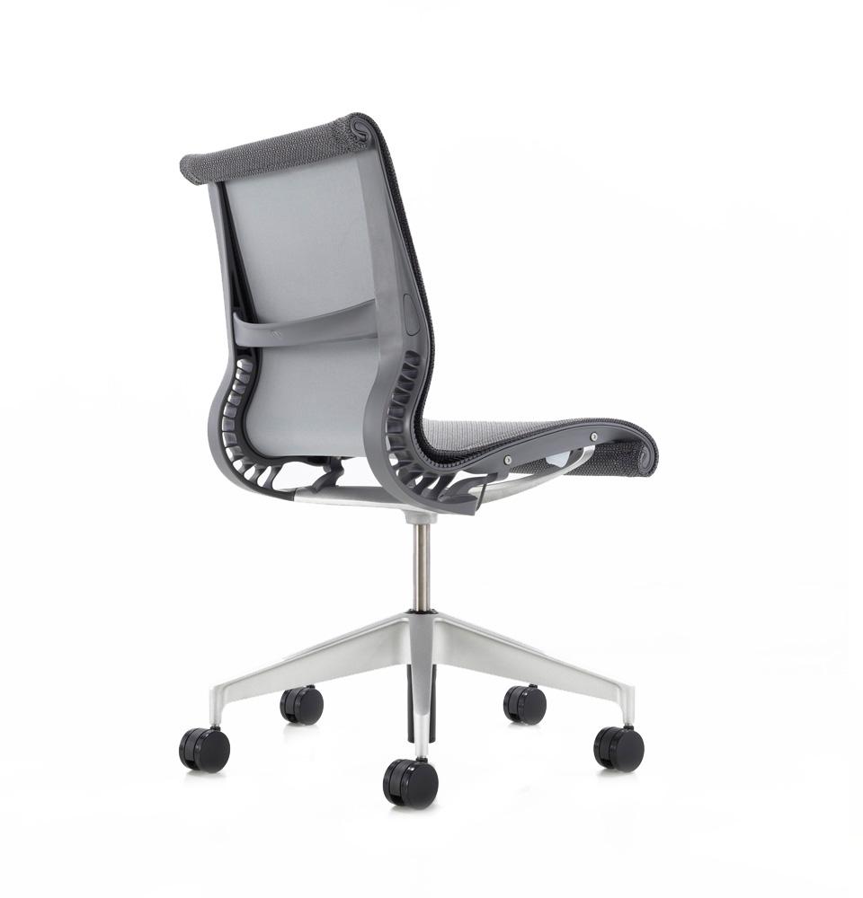 galeria-koff-sillas-setu-trabajo-8